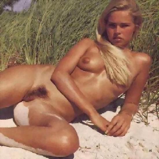 Galeries Met Art : Une fausse blonde nous proposant